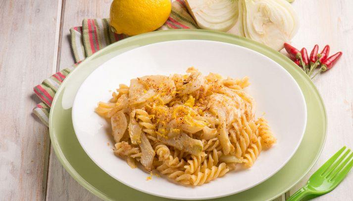 Pasta con finocchi e limone