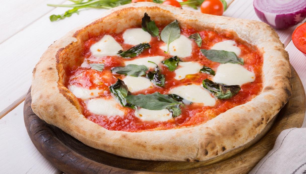 Ricetta Pizza margherita - Le Ricette di Buonissimo
