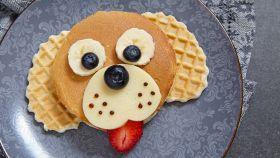 Pancake per bambini a forma di cane