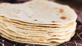 Tortilla fatta in casa (senza lievito) solo da farcire a piacere