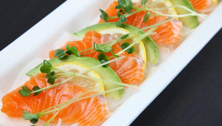 Carpaccio di salmone affumicato e avocado