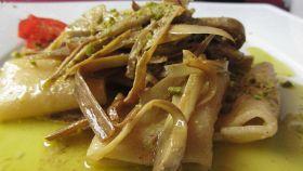 Paccheri con carciofi e granella di pistacchio