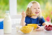 Le sane abitudini alimentari: latte e derivati ai pasti