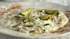 Risotto con zucchine, pancetta e taleggio