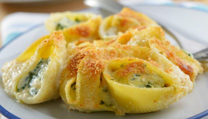 Lumaconi al forno con spinaci, ricotta e parmigiano