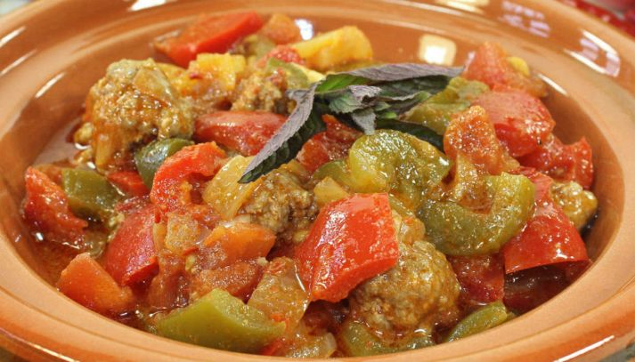 Polpette con salsa peperonata