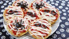 Mostruosamente buone, le pizzette sfiziose per Halloween