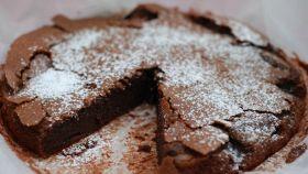 Pochi ingredienti per una torta golosissima, si scioglie in bocca