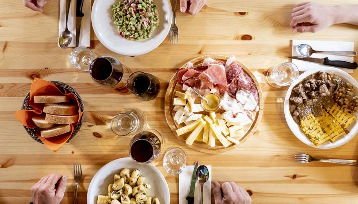 Dolomiti Paganella: prodotti tipici da gustare, dal miele al vino