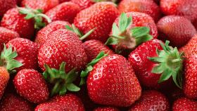 La magia delle fragole: ricette semplici, veloci e leggere