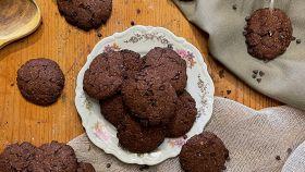Cookies al cacao e gocce di cioccolato