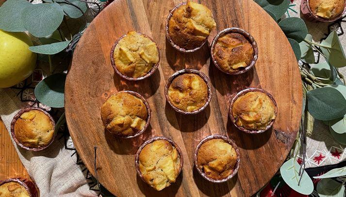 Muffins di Riso e Quinoa con Mele e Cannella