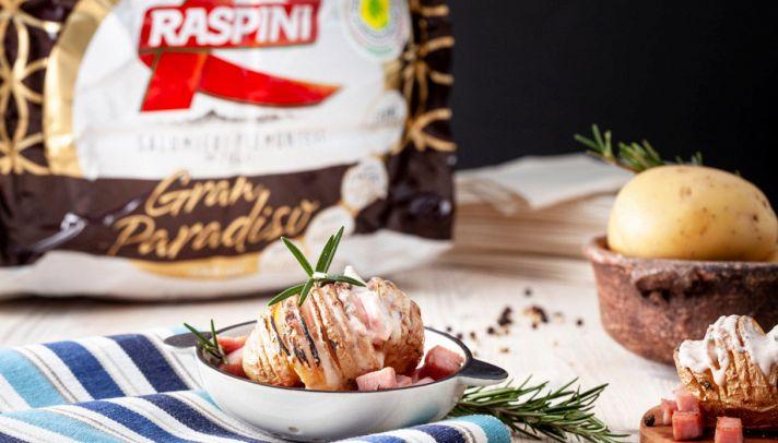 Patate Hasselback con crema di cotto e rosmarino
