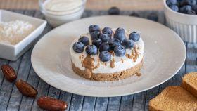 Cheesecake cocco e mirtilli