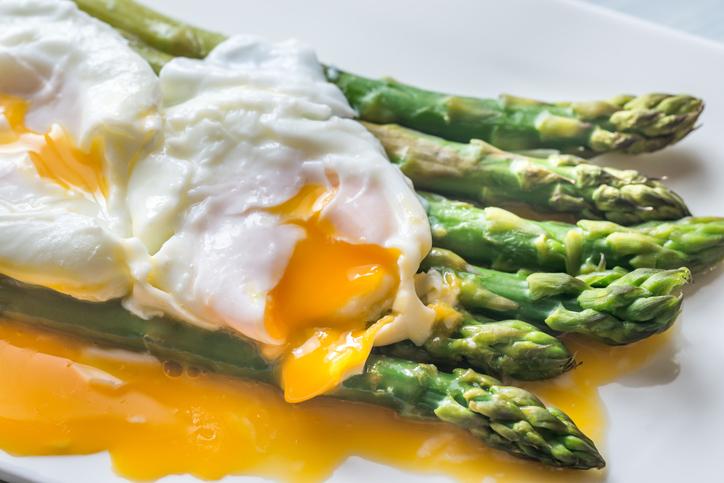 Asparagi di stagione, ricchi di proprietà: ecco alcune ricette facili e veloci