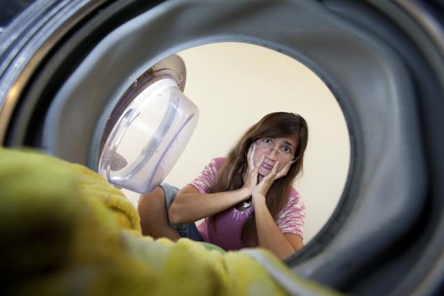 Come eliminare i cattivi odori in lavatrice
