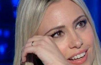 Martina Stella dalla Venier in lacrime: ecco cosa è successo