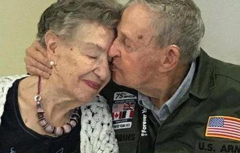 Veterano di guerra ritrova il suo primo amore dopo 75 anni: «Non l'ho mai dimenticata»