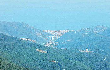 Ammirare il mare dalle alture di Finale Ligure: una giornata a Calizzano
