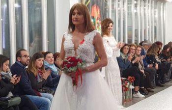 Vladimir Luxuria con l'abito da sposa fa il pieno di like social