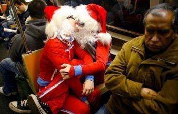 A Natale 4 italiani su 10 comprano il regalo anche all'amante