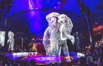 Il circo che ha stupito il mondo con gli ologrammi al posto degli animali