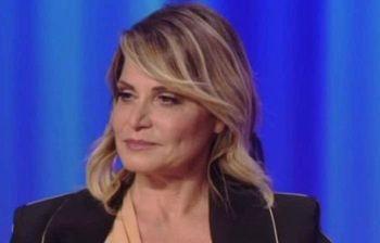 Simona Ventura accusata di evasione fiscale per 500mila euro, ecco perché