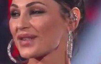 Anna Tatangelo trasformata dal botox: pioggia di critiche sul web