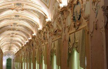 Il palazzo rococò dei nobili Pianetti a Jesi e l'epigrafe nascosta