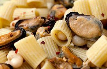 Cucina facile in casa: mezze maiche con fagioli e cozze