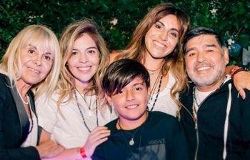 L'incredibile numero di figli di Maradona, sapete quanti ne ha avuti?