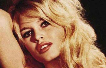 Brigitte Bardot choc sul Covid: «Siamo troppi sulla terra, la natura ristabilisce la normalità»