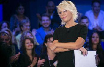C'è posta per te, Maria De Filippi sbotta in diretta con l'ospite: «Hai fatto una figura di m***»