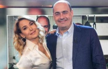 Mediaset chiude la D'Urso, indovinate come commenta Zingaretti...