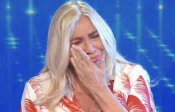 Mara Venier scoppia a piangere in diretta e poi svela...