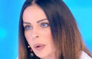 Nina Moric furiosa con Corona: