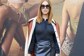 Miriam Leone provoca così alla Milano Fashion week, poi parte per...