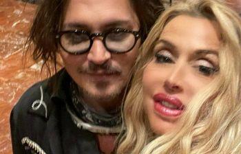 Johnny Depp fa impazzire Roma: Valeria Marini pubblica l'invidiato selfie «stellare»