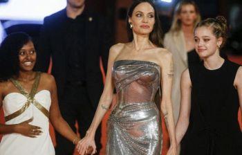 Splendida Jolie a Roma con Zara e Shiloh la figlia 'gender variant'