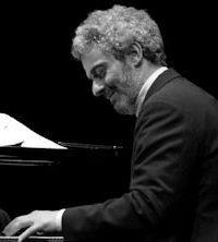 Nicola Piovani - La Musica e' pericolosa