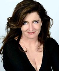 Francesca Reggiani in scena con DOC, Donne d'Origine Controllata