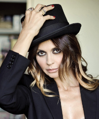 RECITE SOSPESE - Elda Alvigni in scena con