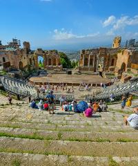 A riveder le stelle: visite notturne al Teatro Antico di Taormina