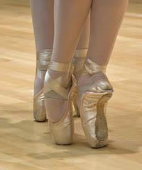 In scena Coppelia spettacolo di danza contemporanea