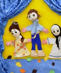 """Famiglia a teatro con """"Granbaule del teatro"""""""
