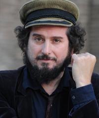 Vinicio Capossela in tour tra i Festival e i teatri italiani