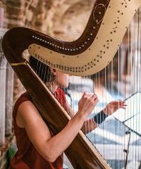 Celebrating life con Emanuela Battigelli all'arpa celtica e classica