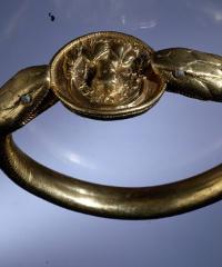 """""""Vanity: storie di gioielli dalle Cicladi a Pompei"""""""