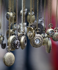 Torna il Mercatone dell'antiquariato
