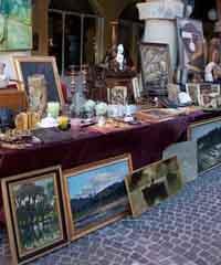 Mercato di modernariato, hobbistica, antiquariato